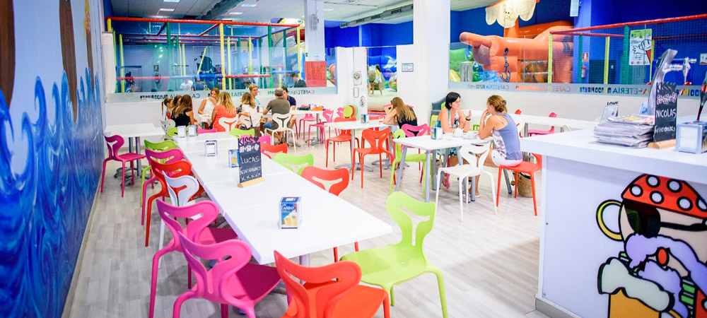 Parque infantil mundo pirata fiestas de tipis para ni os for Alquiler de locales en madrid centro para fiestas